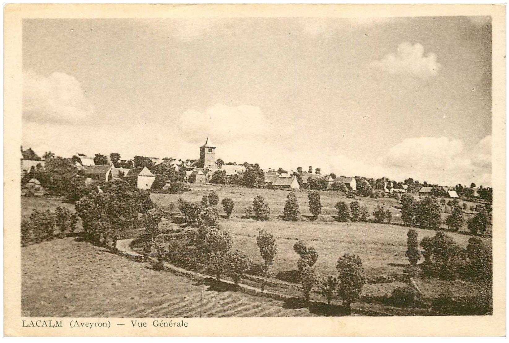 carte postale ancienne 12 LACALM. Vue générale du Village