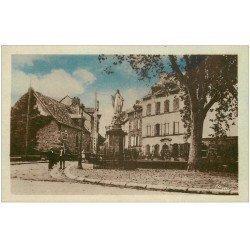 carte postale ancienne 12 MARCILLAC. Avenue de Foncourrieu