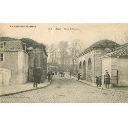 carte postale ancienne 54 TOUL. La Porte de France animation