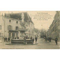 carte postale ancienne 54 TOUL. Fontaine Place Croix-en-Bourg et Banque Société Générale 1914