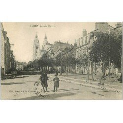 carte postale ancienne 12 RODEZ. Avenue Tarrère. Tampon militaire 1915