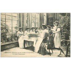 carte postale ancienne 55 BAR-LE-DUC. Atelier d'épépineuses pour confitures de groseilles 1916. Vieux Métiers