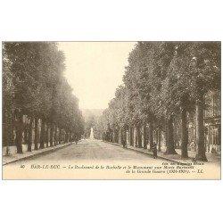 carte postale ancienne 55 BAR-LE-DUC. Boulevard de la Rochelle Monument aux Morts
