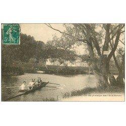 carte postale ancienne 55 SAINT-MIHIEL. Sportifs au Canot à rames Ile de Morvaux 1911