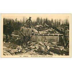 carte postale ancienne 55 VERDUN. Enlèvement des Corps Allemands. Guerre 1914-18