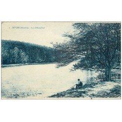 carte postale ancienne 57 BITCHE. Pêcheur Lac d'Hasselfurt 1926