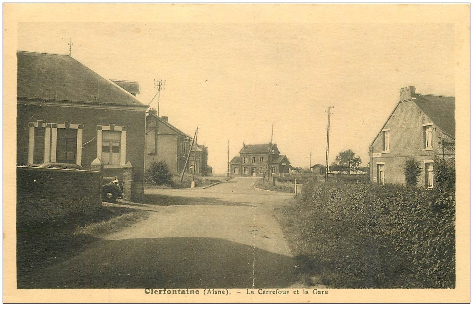 carte postale ancienne 02 CLERFONTAINE. Carrefour de la Gare