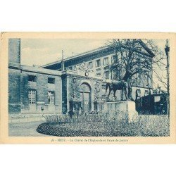 carte postale ancienne 57 METZ. Cheval Esplanade du Palais de Justice