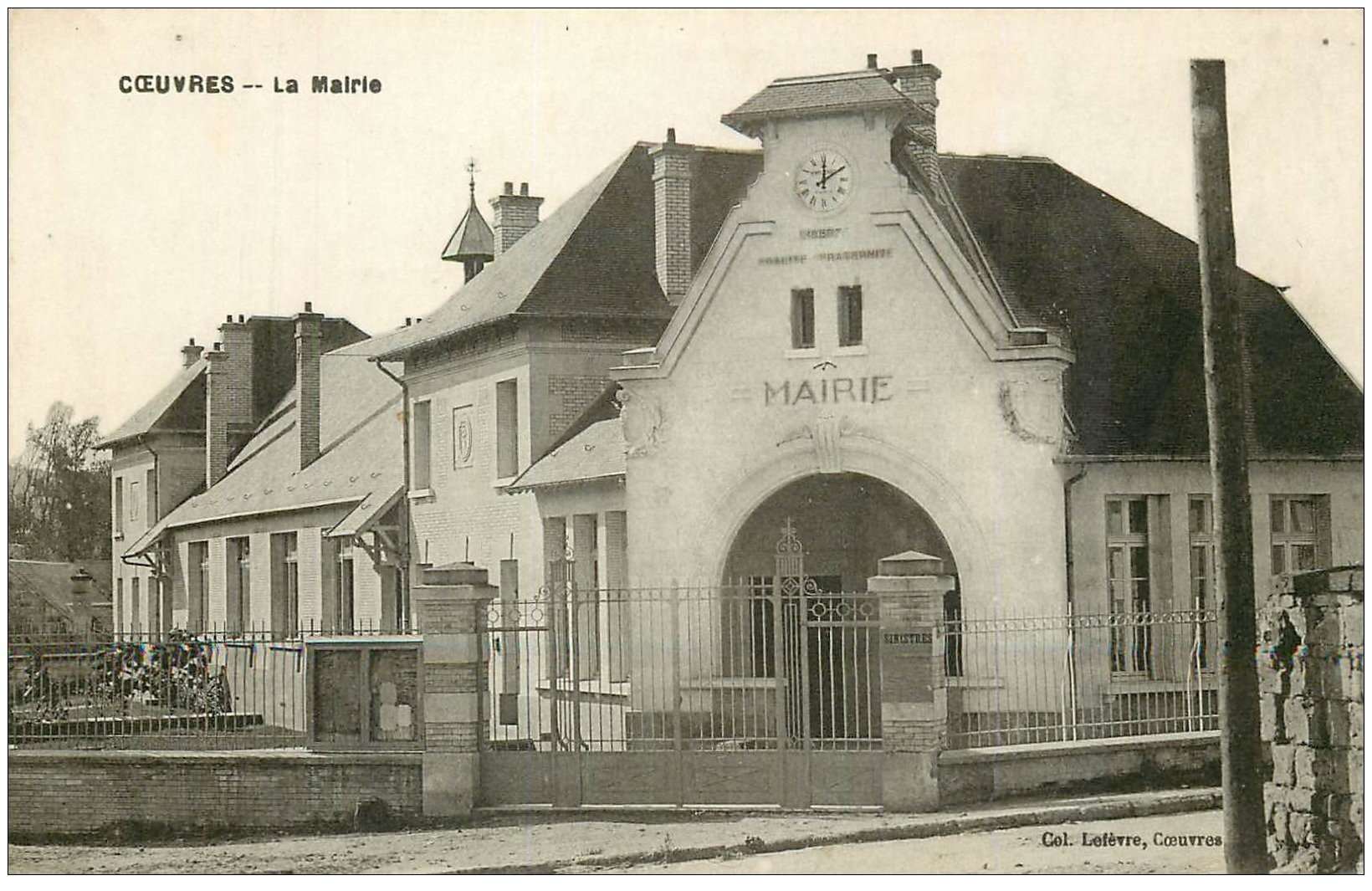 carte postale ancienne 02 COEUVRES. La Mairie