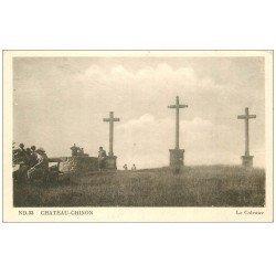 carte postale ancienne 58 CHATEAU-CHINON. Le Calvaire les Troix Croix animation ND 33