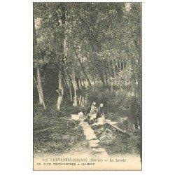 carte postale ancienne 58 CHEVANNES-CHANGY. Lavandières au Lavoir