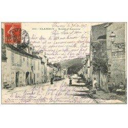 carte postale ancienne 58 CLAMECY. Aubergiste Lescail Route d'Auxerre 1907. Affiche Pneumatiques Le Gaulois