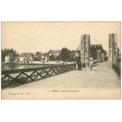 carte postale ancienne 58 COSNE-SUR-LOIRE. Cycliste sur Ponts suspendus