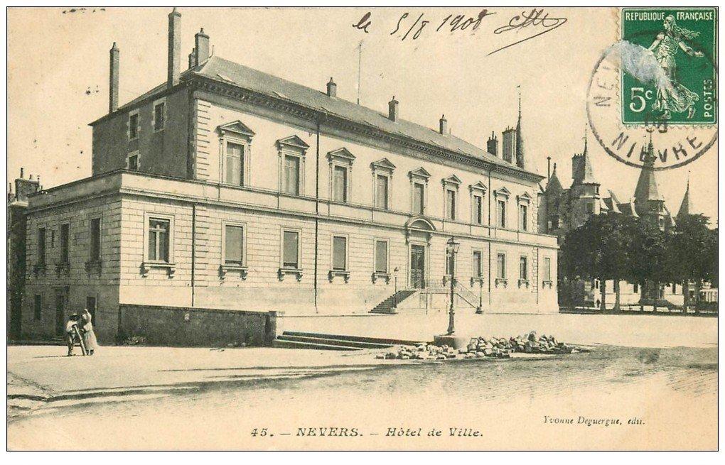 carte postale ancienne 58 NEVERS. Hôtel de Ville 1908