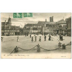 carte postale ancienne 58 NEVERS. La Place Carnot 1913. Café Agricole
