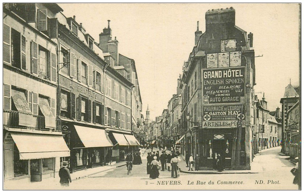 58 nevers la rue du commerce 1915 affiches singer et facteur en v lo. Black Bedroom Furniture Sets. Home Design Ideas