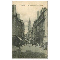 carte postale ancienne 58 NEVERS. Le Beffroi Rue du Commerce. Carte finement déliassée