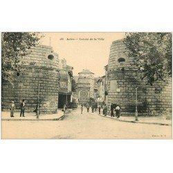 carte postale ancienne 13 ARLES. Entrée de la Ville