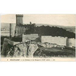 carte postale ancienne 13 BEAUCAIRE. Château et Remparts