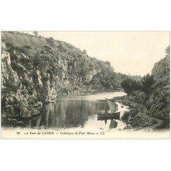 carte postale ancienne 13 La Baie de CASSIS. Calanque de Port Miou avec Pêcheur