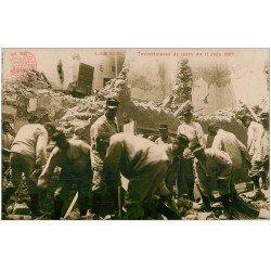 carte postale ancienne 13 LAMBESC. Tremblement de terre en 1909. Militaires et Sauveteurs. Photo artistique H. Ely