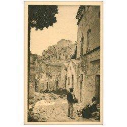 carte postale ancienne 13 LES BAUX. Rue des Fours et Château
