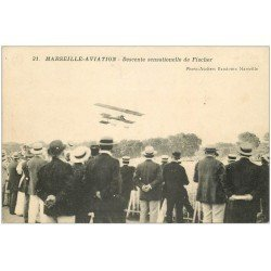 carte postale ancienne 13 MARSEILLE. Aviation. Descente sensationelle de Fischer. Aéroplane Avion Meeting Aviateur...