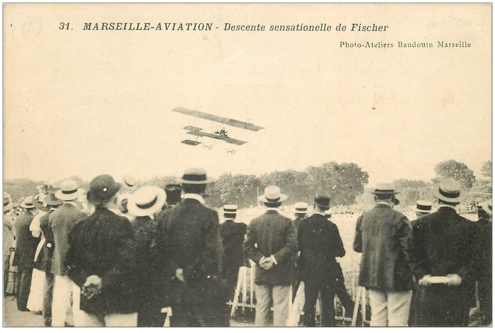 carte postale ancienne 13 MARSEILLE. Aviation. Descente sensationelle de Fischer. Aéroplane Avion Meeting Aviateur...