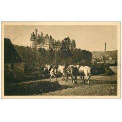carte postale ancienne 60 PIERREFONDS. Convoi de Chevaux et Château 1938