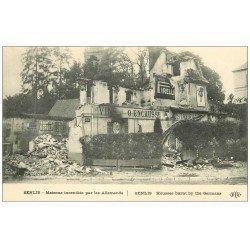 carte postale ancienne 60 SENLIS. Restaurant Encausse incendié. Affiche Pirelli et Absinthe Berger et Lu Lu