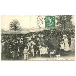 carte postale ancienne CHANTILLY 60. La Pelouse du Champ de Courses vers 1908
