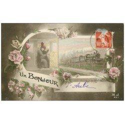 carte postale ancienne 61 AUBE. Fantaisie un Bonjour 1913. Train et compartiment
