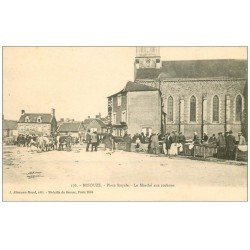 carte postale ancienne 61 BRIOUZE. Marché aux Cochons Place Royale