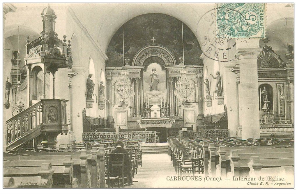 carte postale ancienne 61 CARROUGES. Intérieur Eglise 1906 femme assise