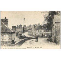 61 DOMFRONT. Lot 10 Cpa. Carrefour du Bassin, Pont, Donjon, Calvaire, Château, Légende du Pendu, Eglise...