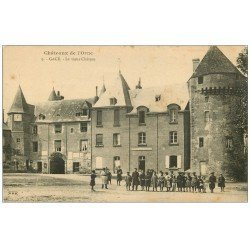 carte postale ancienne 61 GACE. Ecoliers au Vieux Château