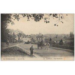 carte postale ancienne 61 LAIGLE L'AIGLE. Attelage et groupe d'Ecoliers