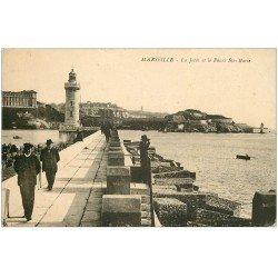 carte postale ancienne 13 MARSEILLE. Jetée et Phare Sainte-Marie 1922 (pli coin droit)...