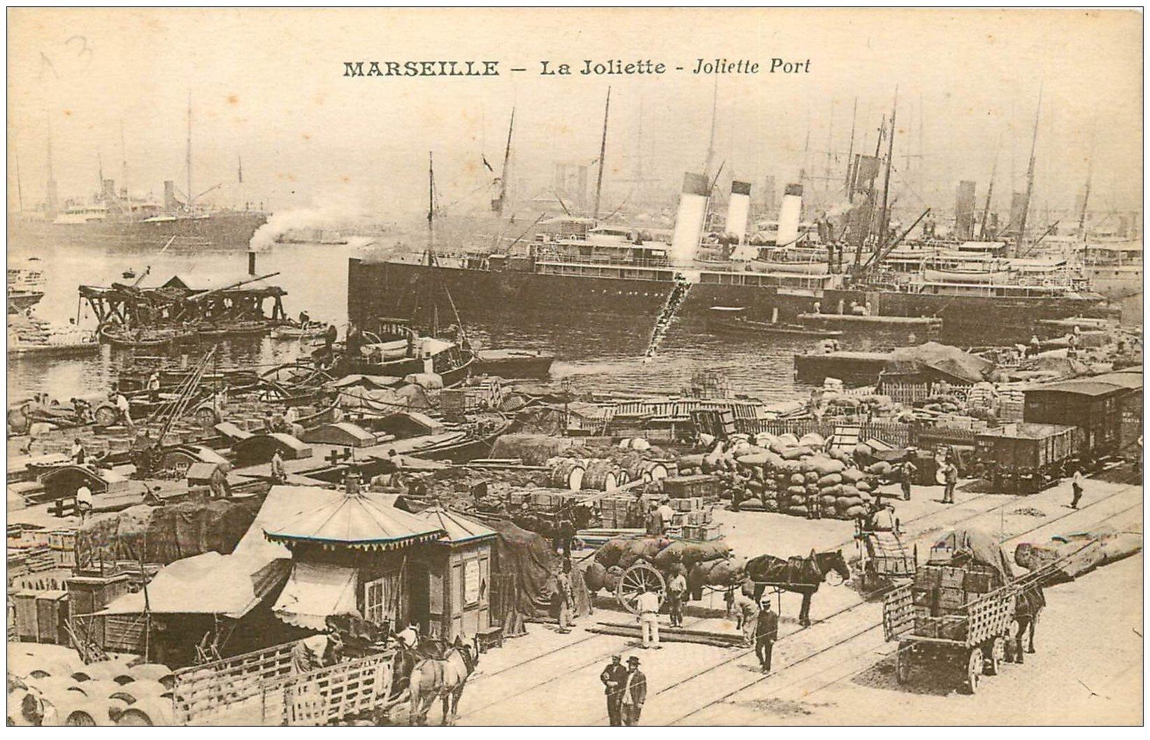 13 MARSEILLE. La Joliette. Navires dans le port