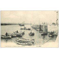 carte postale ancienne 62 A identifier. A la Mer pêcheurs en barque