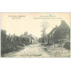 carte postale ancienne 62 AIX-NOULETTE. Une Rue et trou de marmite. Guerre 1914-18