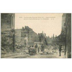 carte postale ancienne 62 ARRAS. Bombardement. Ouvriers sur vagonnets 1915