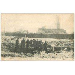carte postale ancienne 62 ARRAS. Enterrement d'un Soldat Cimetière Polygone 1915