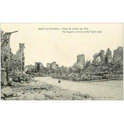 carte postale ancienne 02 COUCY-LE-CHATEAU. Place Hôtel de Ville
