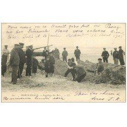 carte postale ancienne 62 BERCK. Ensablage des Bois 1905