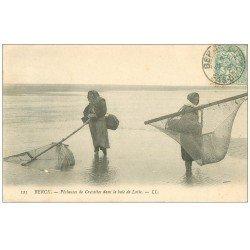 carte postale ancienne 62 BERCK-PLAGE. Pêcheuses de Crevettes 1906 Baie de Lotie. Métiers de la Mer