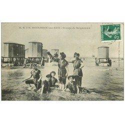 carte postale ancienne 62 BOULOGNE-SUR-MER. Groupe de Baigneuses et Cabines de bains roulantes 1908