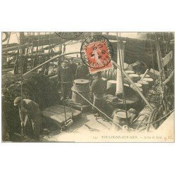 carte postale ancienne 62 BOULOGNE-SUR-MER. Scène de bord 1914. Marins métiers de la Mer