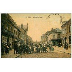 carte postale ancienne 62 LENS. Superbe animation Rue de la Gare