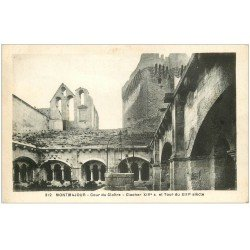 carte postale ancienne 13 MONTMAJOUR. Cour du Cloître et Tour et Puits